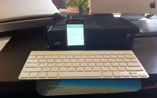 how to turn on apple wireless keyboard