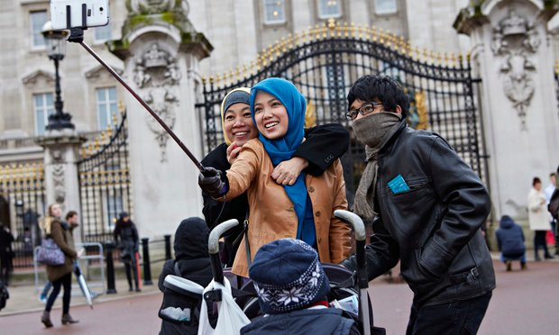 The Selfie Stick Is Set To Strom Britain