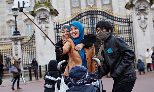 The Selfie Stick Is Set To Strom Britain