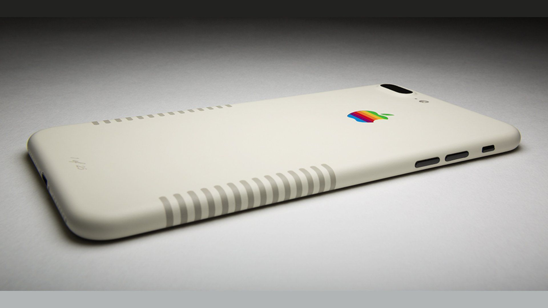 Apple iPhone 7 Plus Retro Edition