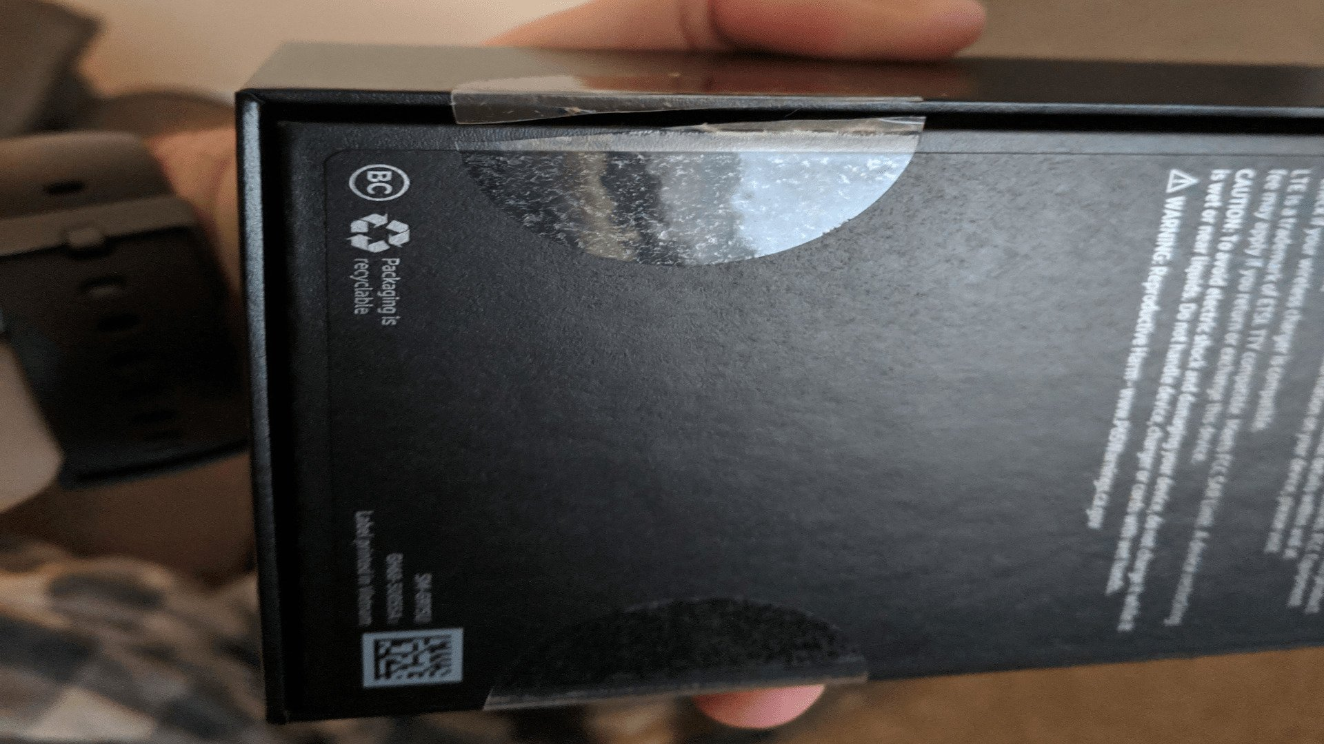 Samsung Galaxy S10 Shipped in an Unsealed Box