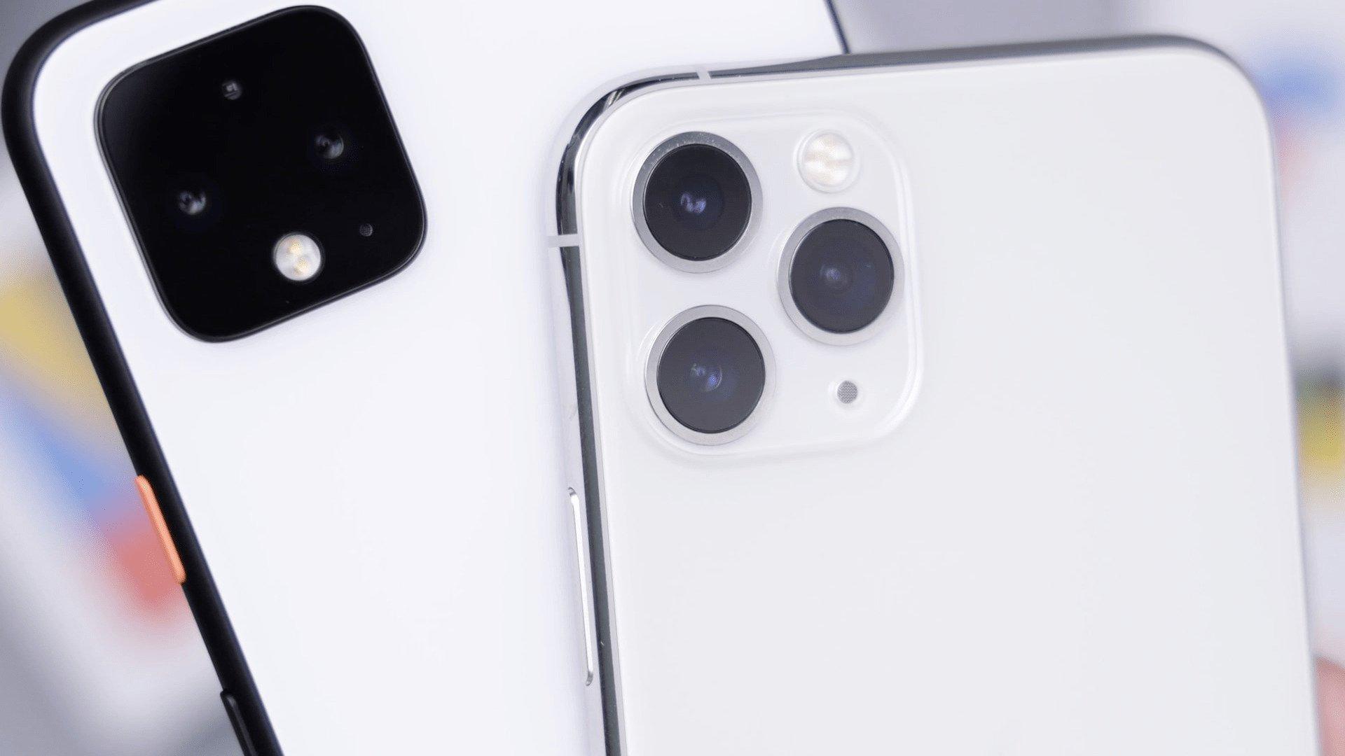 White Pixel4XL & Silver iPhone 11 Pro / Photo by Daniel Romero on Unsplash