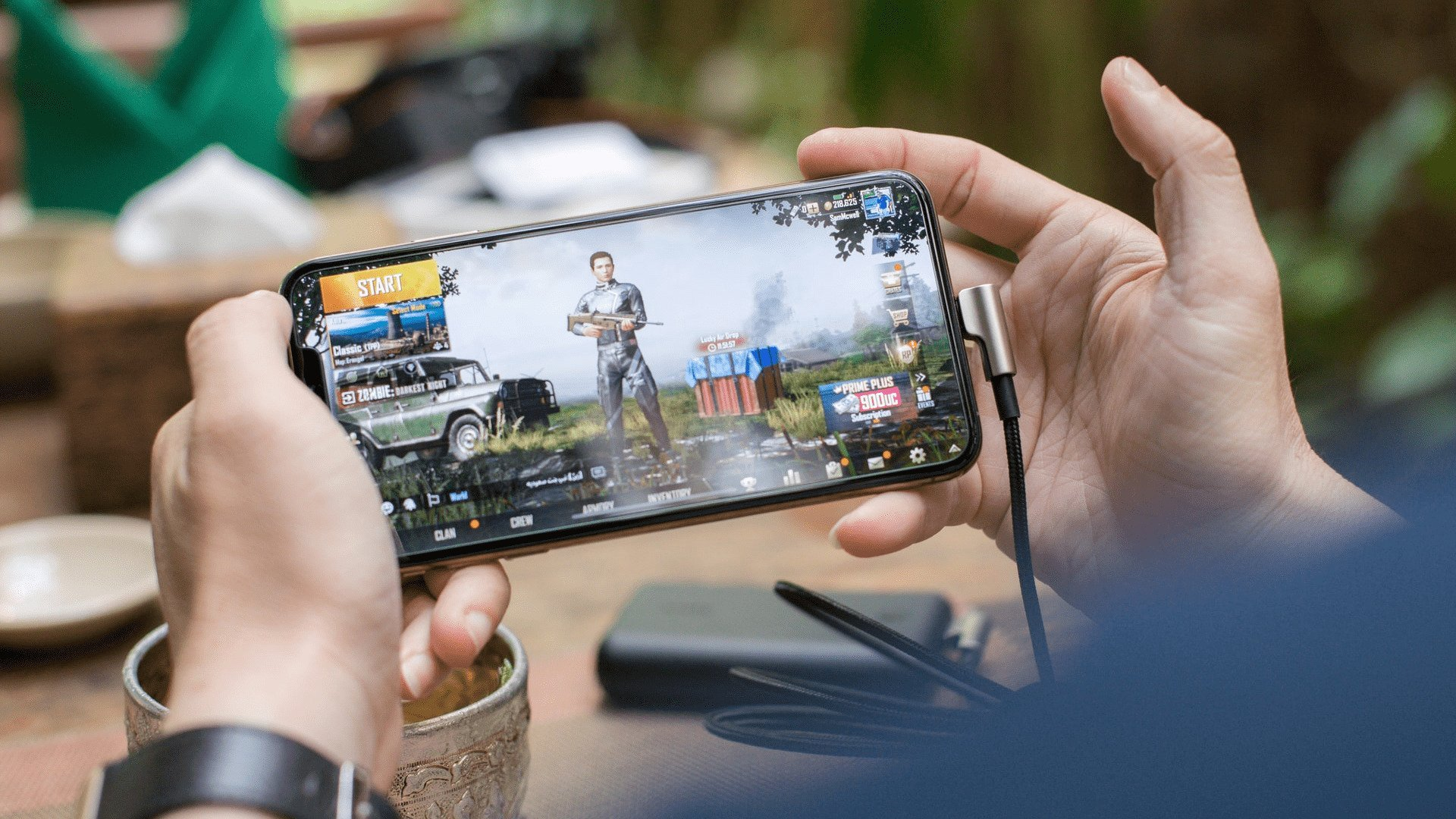 Gaming Smartphone / Photo by SCREEN POST on Unsplash
